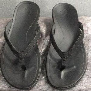 OkuKai Ho,Ohio woman's size 10 sandal